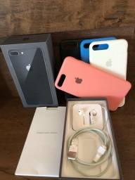 iPhone 8 Plus 64 Gb cinza espacial *TROCO POR XS MAX OU 11 (volta da minha parte)*