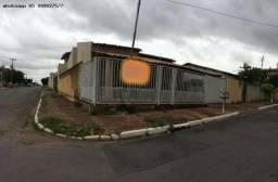 Casa para Venda em Cuiabá, CPA II, 3 dormitórios, 1 suíte, 2 banheiros, 2 vagas