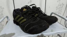 Tênis Adidas, número 41