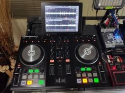 Kit Traktor kontrol S2 MK2 + iPad com o Traktor DJ instalado