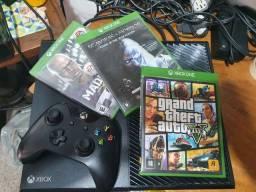 Xbox One FAT 640GB GTA 5 e 1 Controle sem fio original.