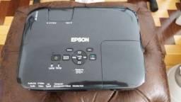 Projetor Epson PowerLite S10+ - com tela de projeção