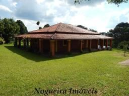Chácara com 30.000 m², ótima casa, fácil acesso (Nogueira Imóveis Rurais)