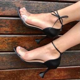 Sandalia salto taça  perfeita
