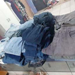 Título do anúncio: Vendo lote de calças jeans feminina