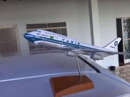 Título do anúncio: Boeing 747 400 miniatura