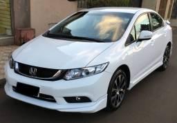 Honda Civic LXR 2.0 com Kit Aerodinâmico Único Dono ano 2015 automático