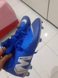 Chuteira N 40 nunca usada Nike botinha 300$