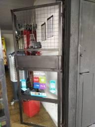 2 Frente de distribuidora com vidro