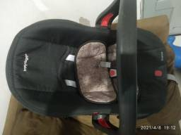 Cadeirinha bebê conforto semi novo bem conservado