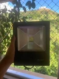 Refletor Led branco frio direcionavel avante 6500k