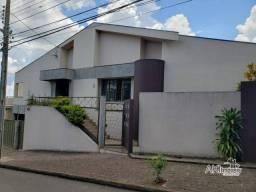 Casa com 4 dormitórios à venda, 300 m² por R$ 850.000,00 - Vila São Paulo - Apucarana/PR