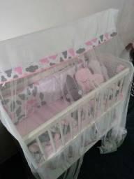 Berço de bebê com kit Ninho é  mofadas