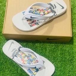 Título do anúncio: Chinelo Nike e Adidas