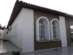 Vendo ou troco por apartamento uma excelente casa no polo da saúde próximo a Frei Serafim