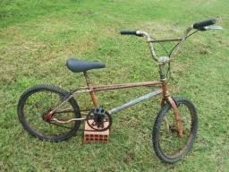 Antiga bicicleta monark bmx acrobike (cod.3486)