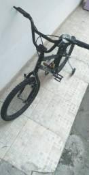 Bicicleta Caloi com rodinhas