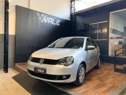 Polo Sedan 1.6 - Completo - 2014