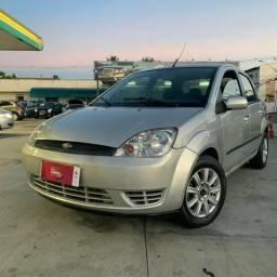 Ford Fiesta 1.6 Sedan Completo R$ 11.990,00 - 2006