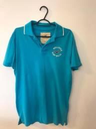 4300f3ebf6 Camisa polo das marcas Abercrombie   Fitch