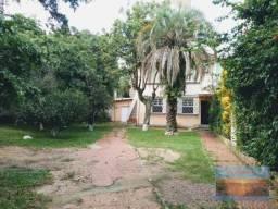 Villarinho Imóveis vende casa c/ 02 terrenos, podendo ser usada para 2 famílias com 3 D em