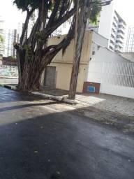 Terreno disponível para locação, com 126 m² no Meireles