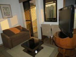 Flat a uma quadra da Av. Ibirapuera, fácil acesso ao metrô, ao Pq. do Ibirapuera e Aeropor