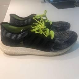 Tênis Adidas Roquet