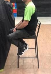 Cadeira alta para caixa ou atedimento