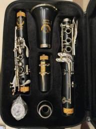 Clarinete Eagle CL 04N Sib 17 chaves com case