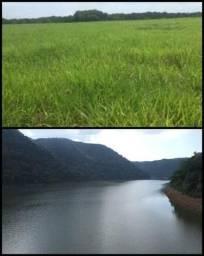 Linda fazenda margeando rio pra pastagem braquiária terra cultura Lagoa peixe leiteiro