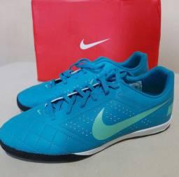 Chuteria Futsal Nike