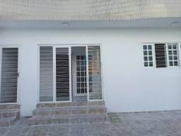 Casa Residencial de 220 m², com 03 quartos no Bairro Maurício de Nassau, em Caruaru/PE