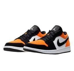 Tênis Jordan Low Orange