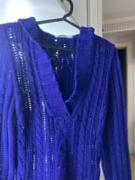 Suéter azul marinho tricot