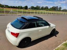 Título do anúncio: Audi A1 TETO/Couro/Mecatrônica Trocada