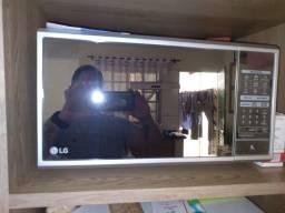 Título do anúncio: Microondas LG 30 Litros Prata Porta Espelhada Ms3095lr 220 v