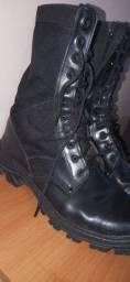 Desapego Atalaia Militar com ziper N°45 praticamente novo