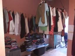 Pressiso de roupas pra brechó