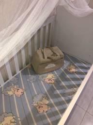 Berço, colchão e kit bolsa maternidade