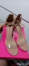 Vendo sandalia 39