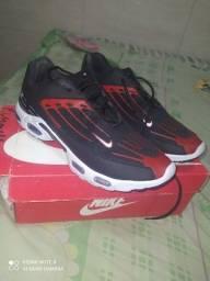 Tênis Nike (na caixa)