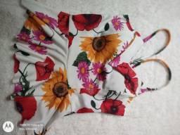 Título do anúncio: Blusa de alcinha floriada, suplex, com bojo, tamanho único.