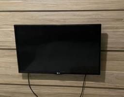 Título do anúncio: Tv LG 32 polegadas novíssima!