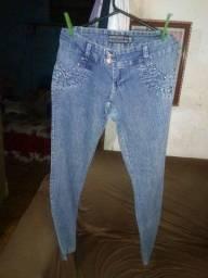 Título do anúncio: Vendo calças jeans