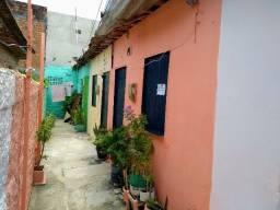 Casas populares com 1 e 2 quartos no melhor trecho do bairro de Afogados, Recife-PE