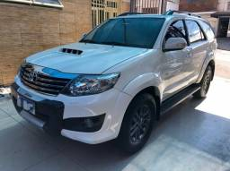Toyota Hilux Sw4 2014 3.0 Turbo diesel 7 lugares