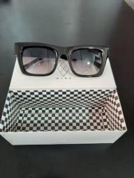 """Óculos de sol marca """"NINE"""" - NUNCA USADO"""
