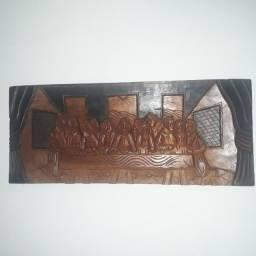Santa Ceia insculpida em madeira nobre