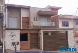 Casa à venda com 3 dormitórios em Vila caio junqueira, Poços de caldas cod:648713